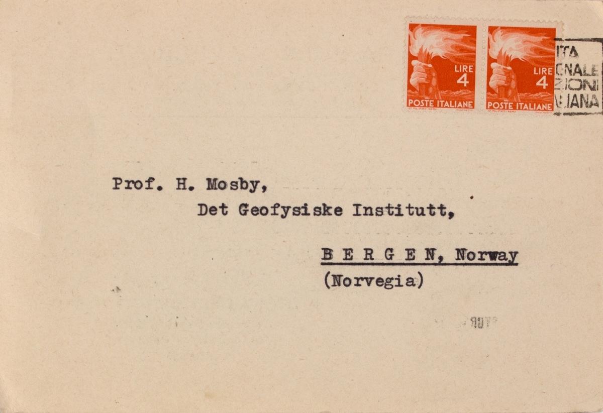 Takkekort-samling vedr. polarskipet MAUD. Takkekort fra Instituto Geofisico Italiano, Milano i Italia (med frimerke) i forbindelse med at de har mottatt publikasjon vedr. MAUD sin polekspedisjon i 1918-1925.