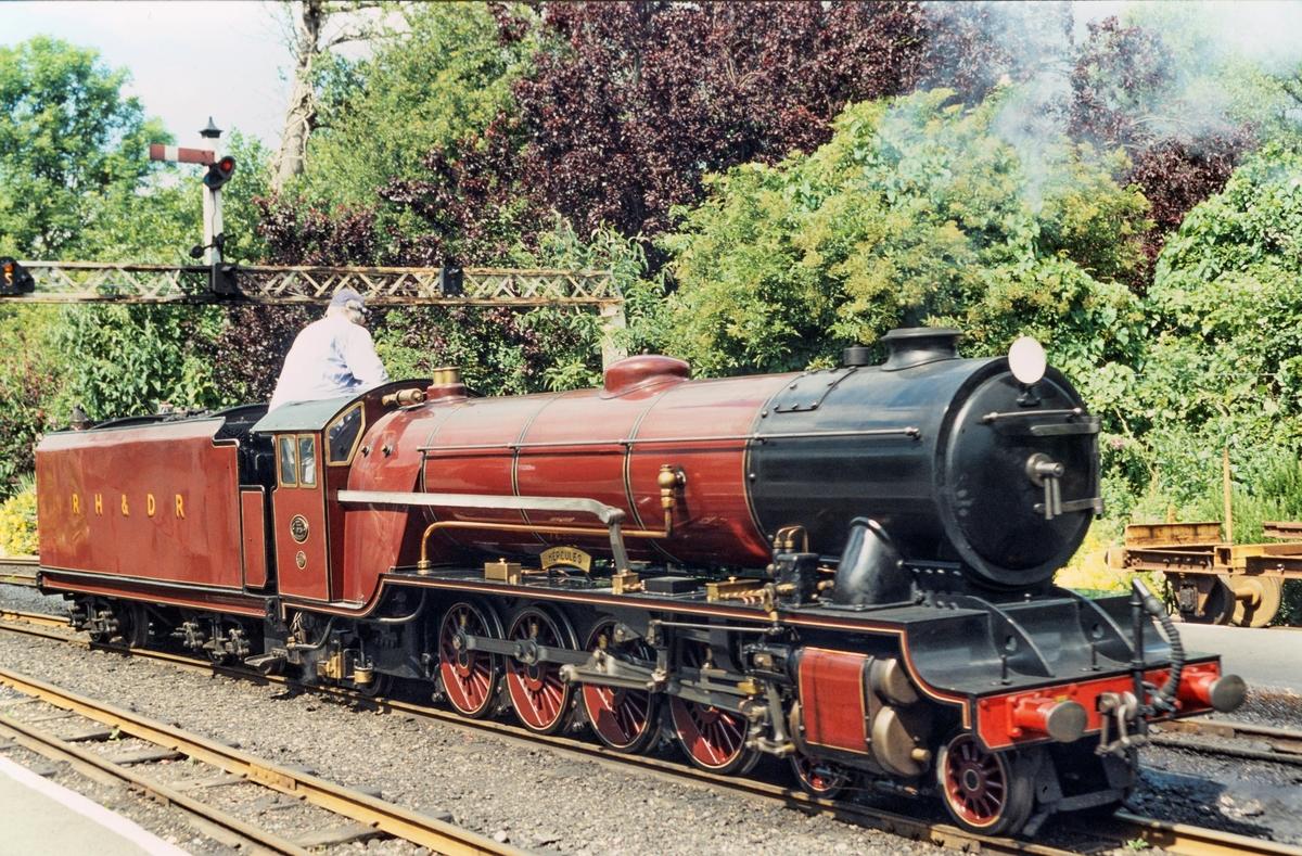 Romney Hythe & Dymchurch Railway Hercules i Hythe, England