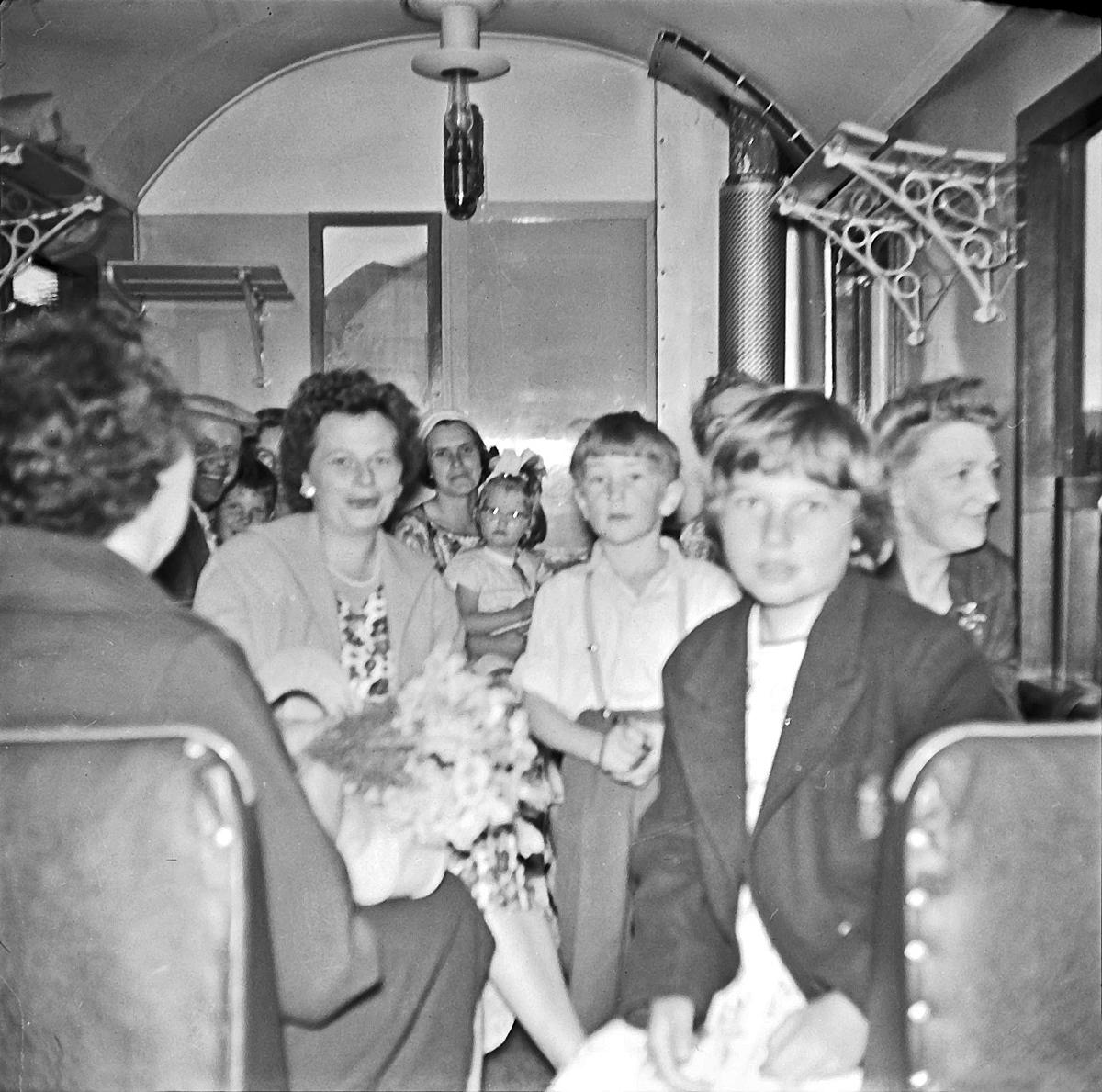 Ombord på et av de siste ordinære togene på Aurskog-Hølandbanen