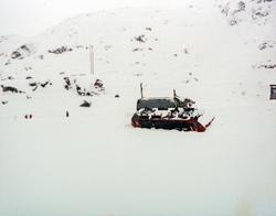 Avsporet elektrisk lokomotiv El 16 2205 ved Oksebotn mellom