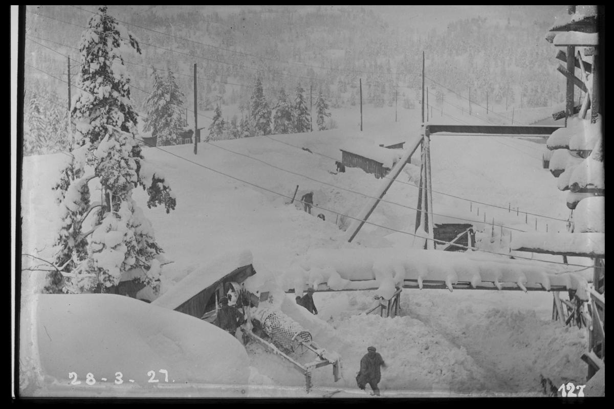 Arendal Fossekompani i begynnelsen av 1900-tallet CD merket 0468, Bilde: 9 Sted: Flaten Beskrivelse: Vinterbilde fra kraftstasjonen. Nedover langs jernbanen