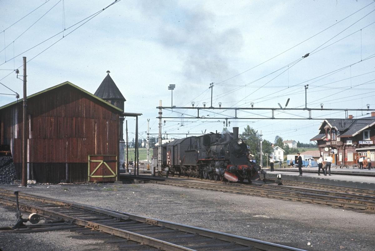 Godstog fra Skreia har ankommet Eina stasjon