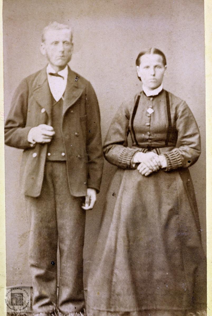 Portrett av ekteparet Abreham og Guri Øydna. Grindheim.