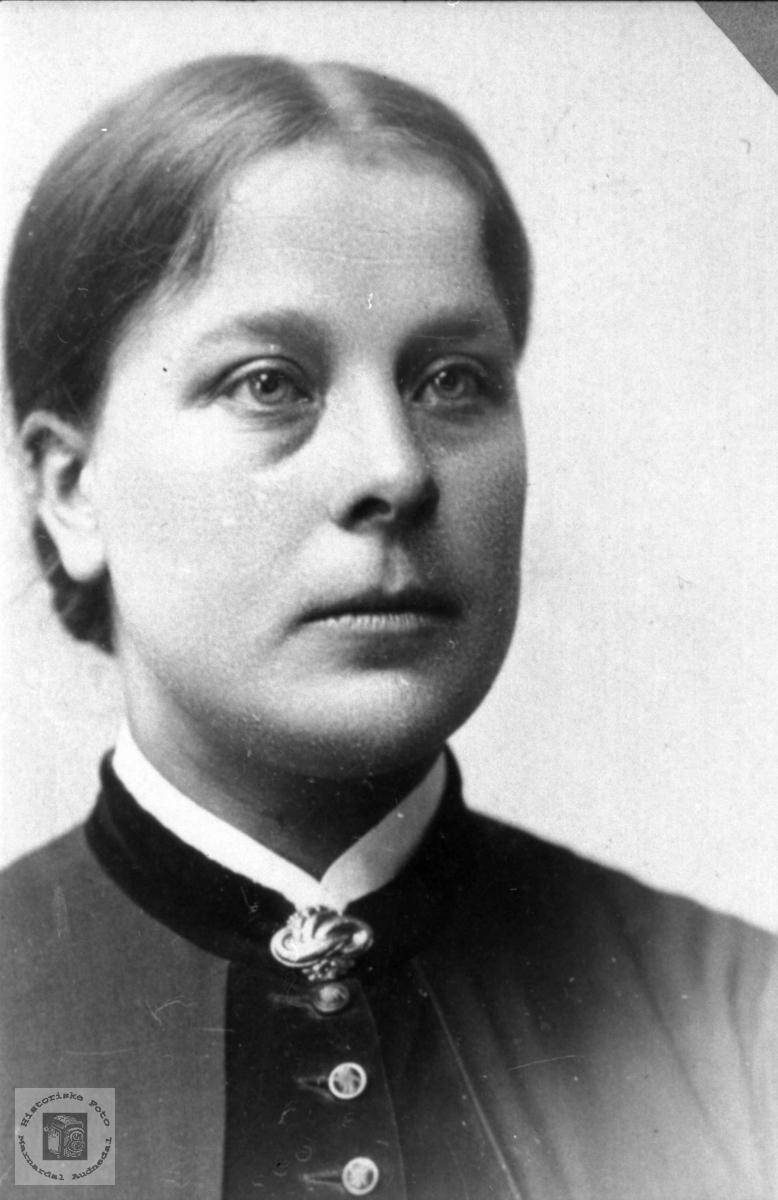 Portrett av Mari Haraldstad, Bjelland.