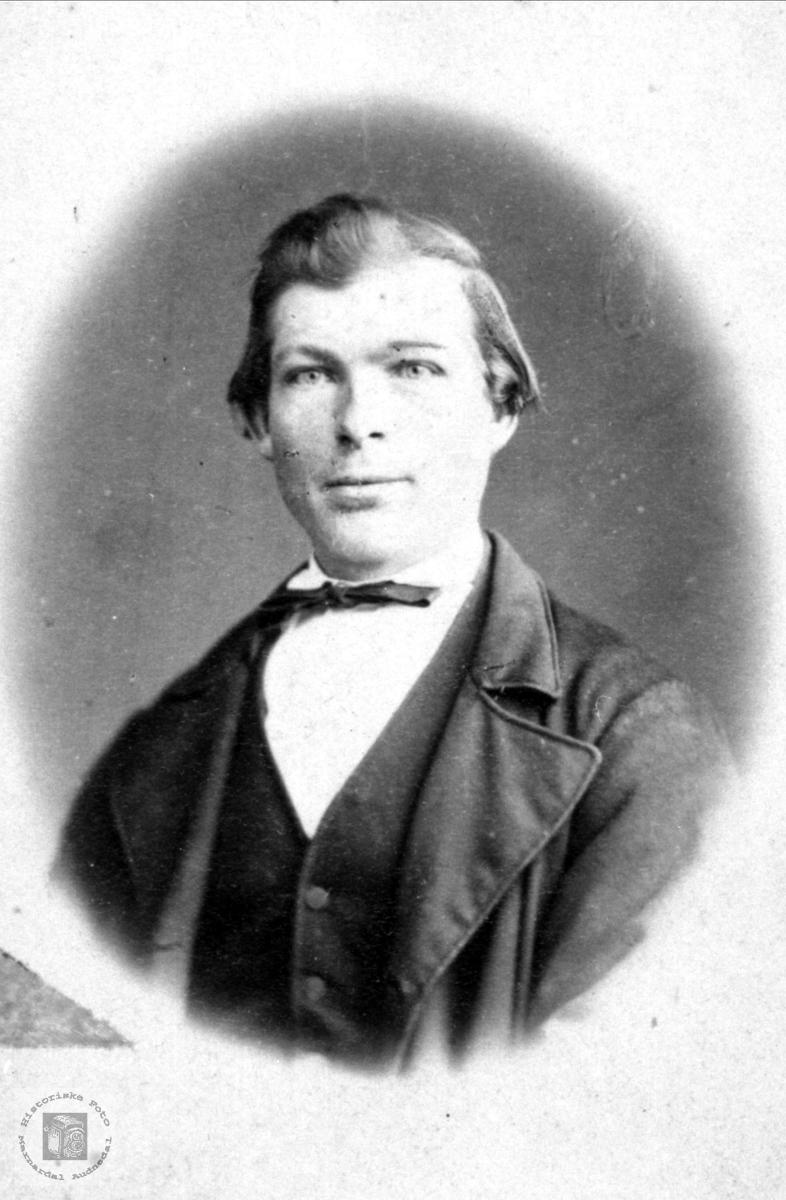 Portrett av Hans Nøding, Holum.