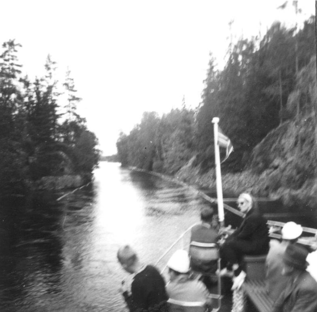 Ombord i D/S Turisten i Haldenvassdraget (Stenselven)