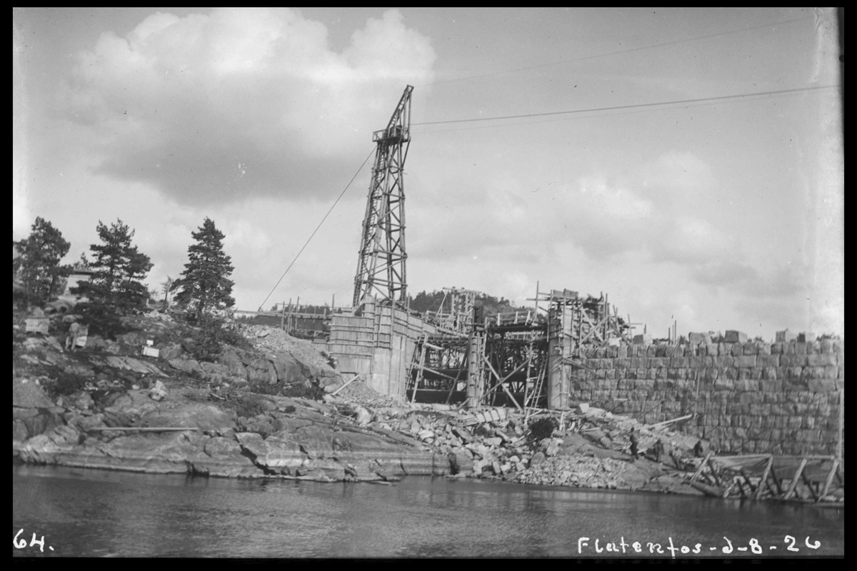 """Arendal Fossekompani i begynnelsen av 1900-tallet CD merket 0468, Bilde: 50 Sted: Flaten Beskrivelse: Inntak til """"tønna"""""""