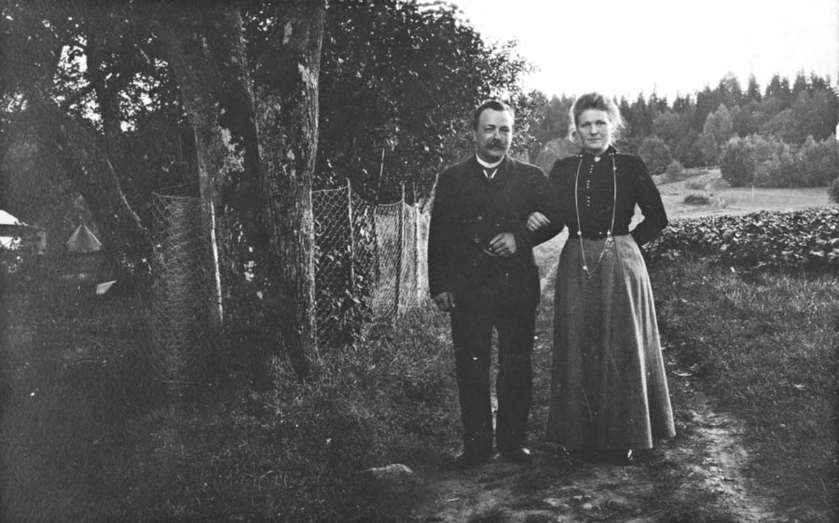 Hans og Huld Thoug (iforbindelse med bryllupsfeiring)