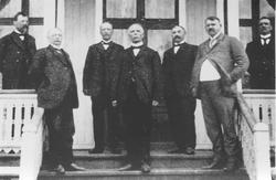 Urskog-Hølandsbanens direksjon i 1914. Fra venstre; Carel Tu