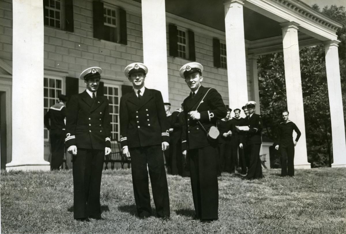 Album Ubåtjager King Haakon VII 1942-1946 På mount Vernon 23.09.1942.